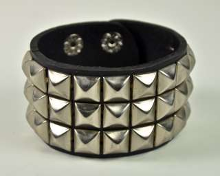 PYRAMID STUD LEATHER WRISTBAND GOTHIC PUNK 80s BLACK METAL DOOM DEATH
