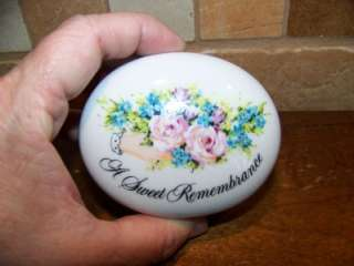 Trinket Box/Sweet Remembrance/Avon/1982/valentines day