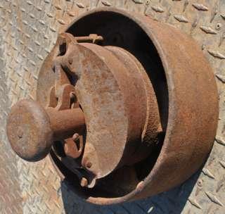 Vintage Shaft Mount Hit Miss Gas Engine Cast Iron Clutch Belt Pulley