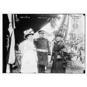 Mrs. Howe,Gen. Howe,Mrs. Daniel S. Lamont
