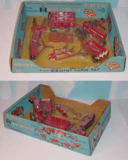 16 Vintage International 656 8 Pices Mini Farm Set Blue Box