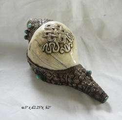 Tibetan Conch Shell w Beads & Endless Knot Motit s1558