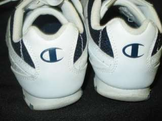 WOMENS CHAMPION WHITE LEATHER ATHLETIC SHOES 7 M