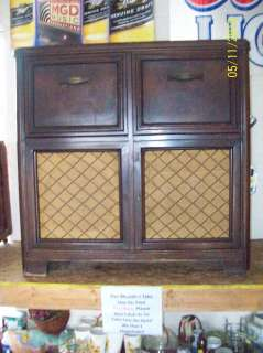 1948 Antique Zenith Console Radio & Record Player Model Number 9H885