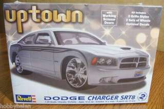 REVELL DODGE CHARGER SRT8 PLASTIC MODEL KIT 1/25 SCALE