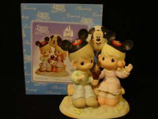 bg Precious Moment Disney Showcase Theme Park Exclusive
