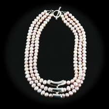 ROBERT LEE MORRIS 3 STRAND PINK PEARL NECKLACE