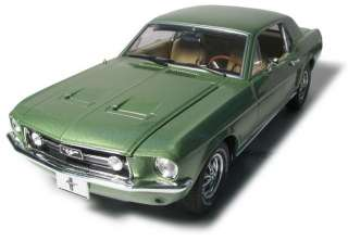 GREENLIGHT 12805 118 1967 FORD MUSTANG COUPE LIME GREEN DIECAST MODEL