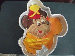 WILTON MICKEY FACE CAKE PAN WITH INSERT 1976