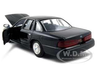 1998 FORD CROWN VICTORIA BLACK 124 DIECAST MODEL CAR