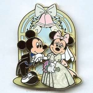 Disney Pin/Mickey Mouse & Minnie Mouse Wedding Pin